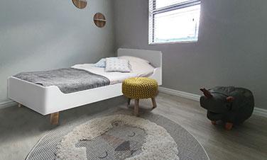 acorn-creek-homes-child-bedroom_376x226